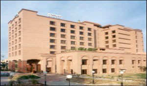 hotel holiday inn agra, holiday inn hotel, hotels in agra, budget accommodation in agra, four star hotels in agra, online hotels booking in agra, images of hotel holiday inn agra, information about hotels in agra, uttar pradesh hotels guide
